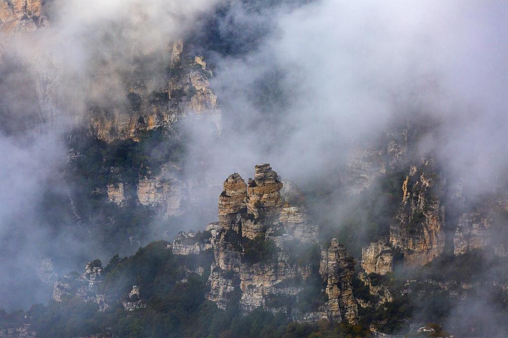 白石山旅游攻略(景区介绍+美食+自驾路线)