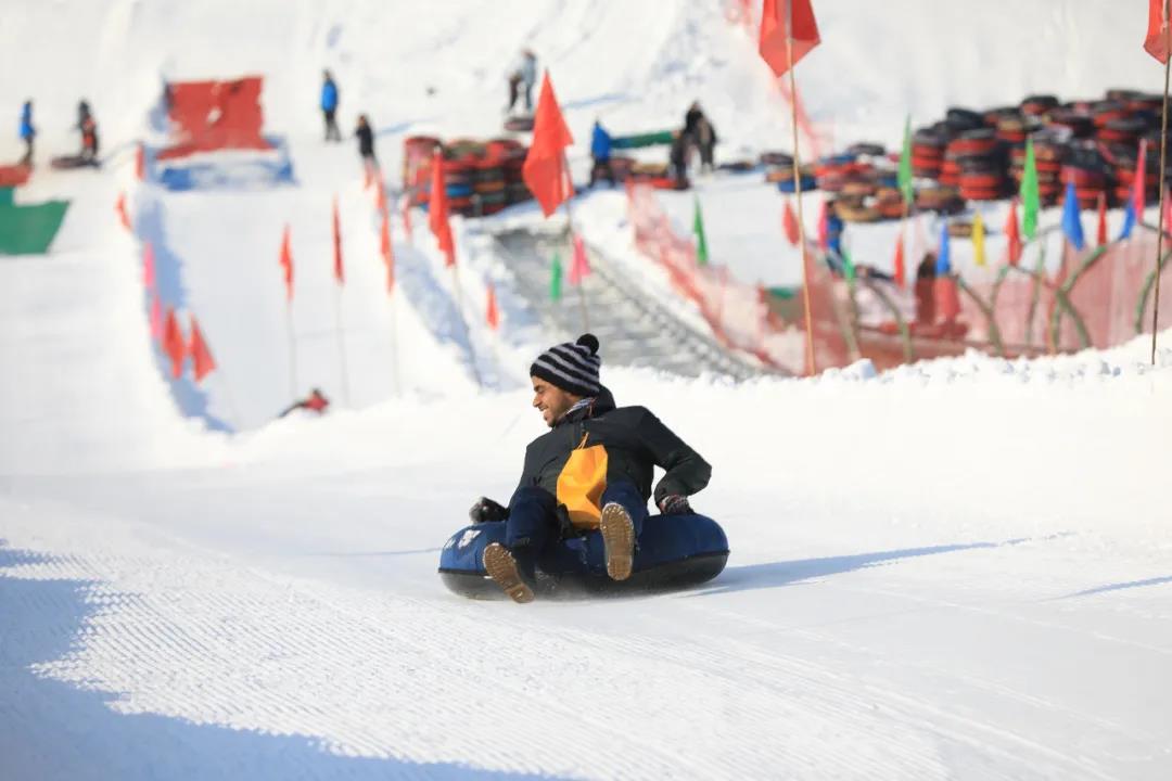 狼牙山雪村——滑雪戏雪两不误  第3张