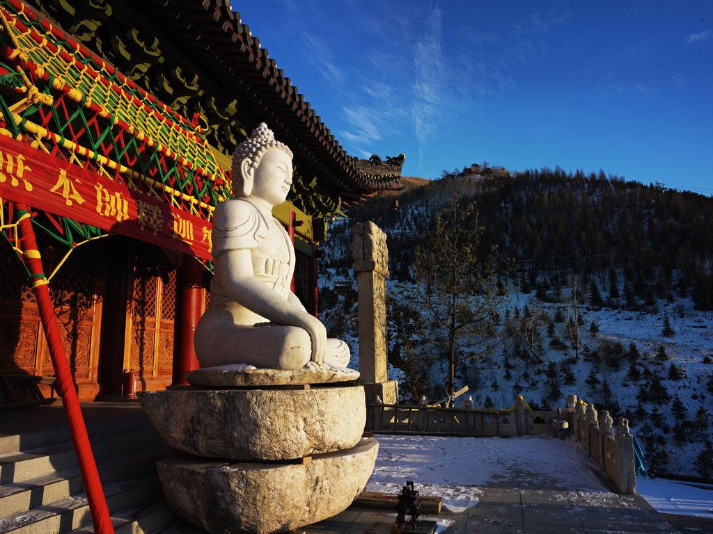 五台山风景区寺院暂停对外开放