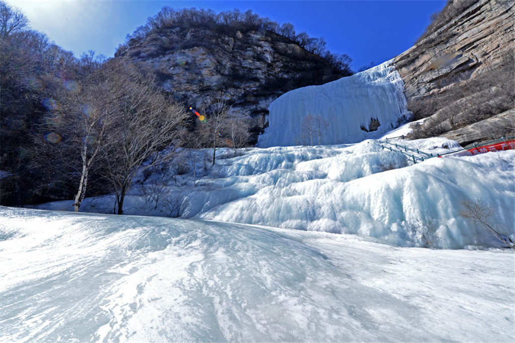 天生桥瀑布群风景区  第3张