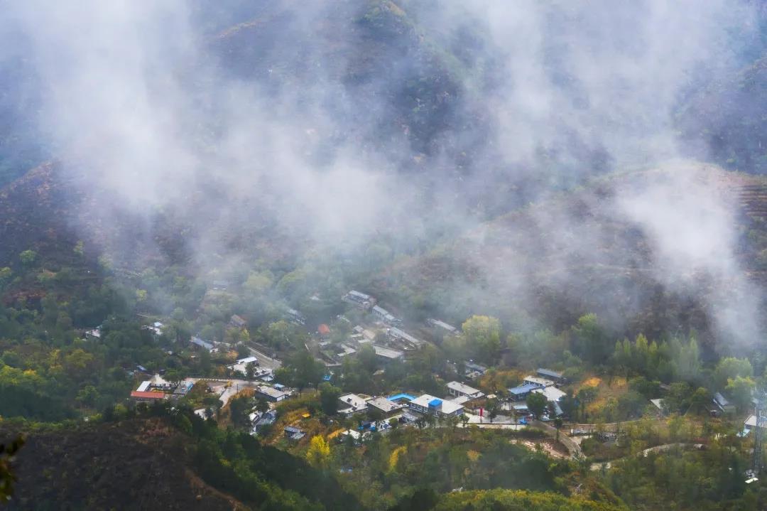 青山缭绕升云雾,美景只在野三坡!  第5张
